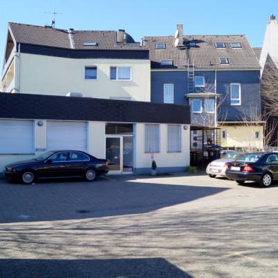Foto: Parkplatz (hinterer Eingang zur Passage 44 / Podologische Praxis)